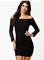 Sorte kjoler med lange ærmer